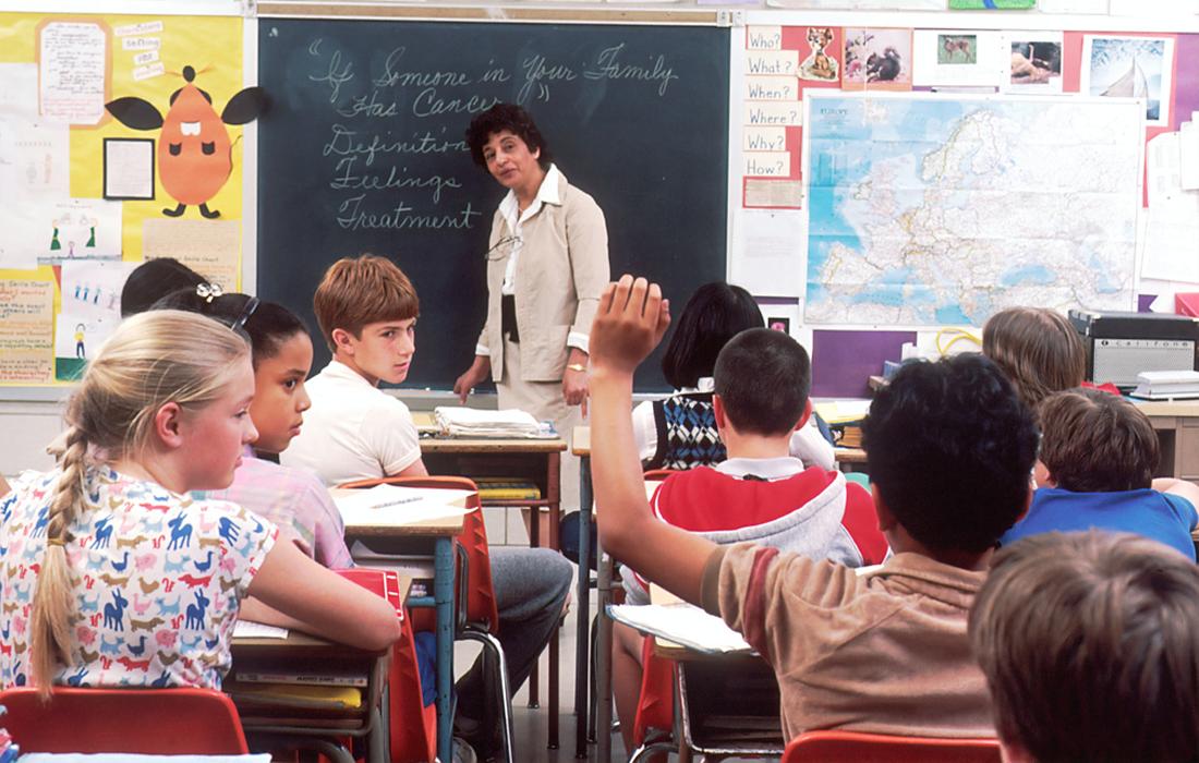 Should Schools Have Standing Desks for Teachers?